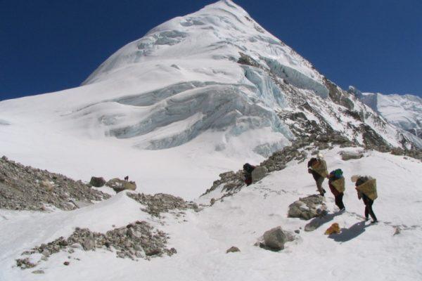 Pharchamo climbing