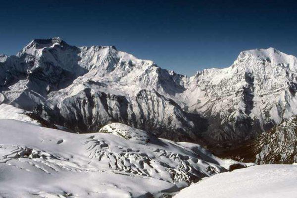 Chulu Far East peak climbing Tilicho pass