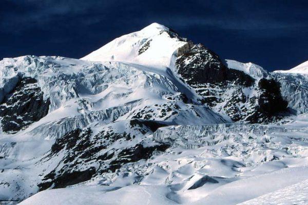 Pisang peak climbing with Annapurna circuit trek